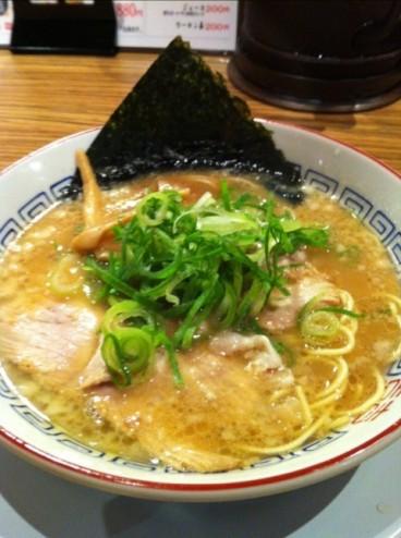 【グルメニュース】お腹に優しいミニラーメン、京都河原町六角店『珍遊』さんの中華麺