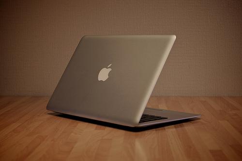 うぉ~!MacBookAir11inchの作業スペースが劇的変化!このDockの初期設定はやっておくべし