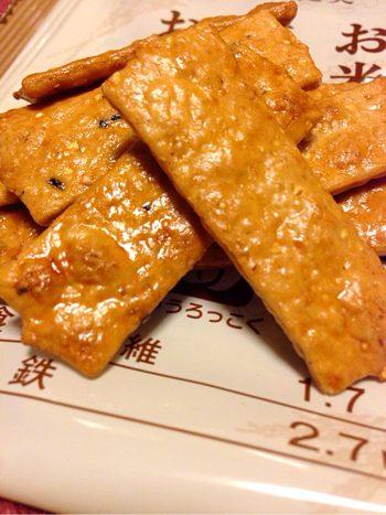 勉強中の間食に最高のせんべい発見!タニタ食堂「お米と十六穀とおから」に感激!