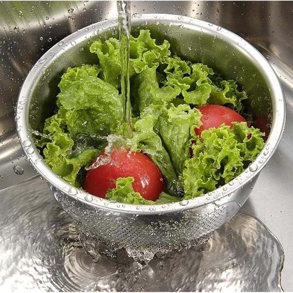2012年私が出会った最高の調理器具を一つだけ紹介します。その名も「3WAY水切りボール」